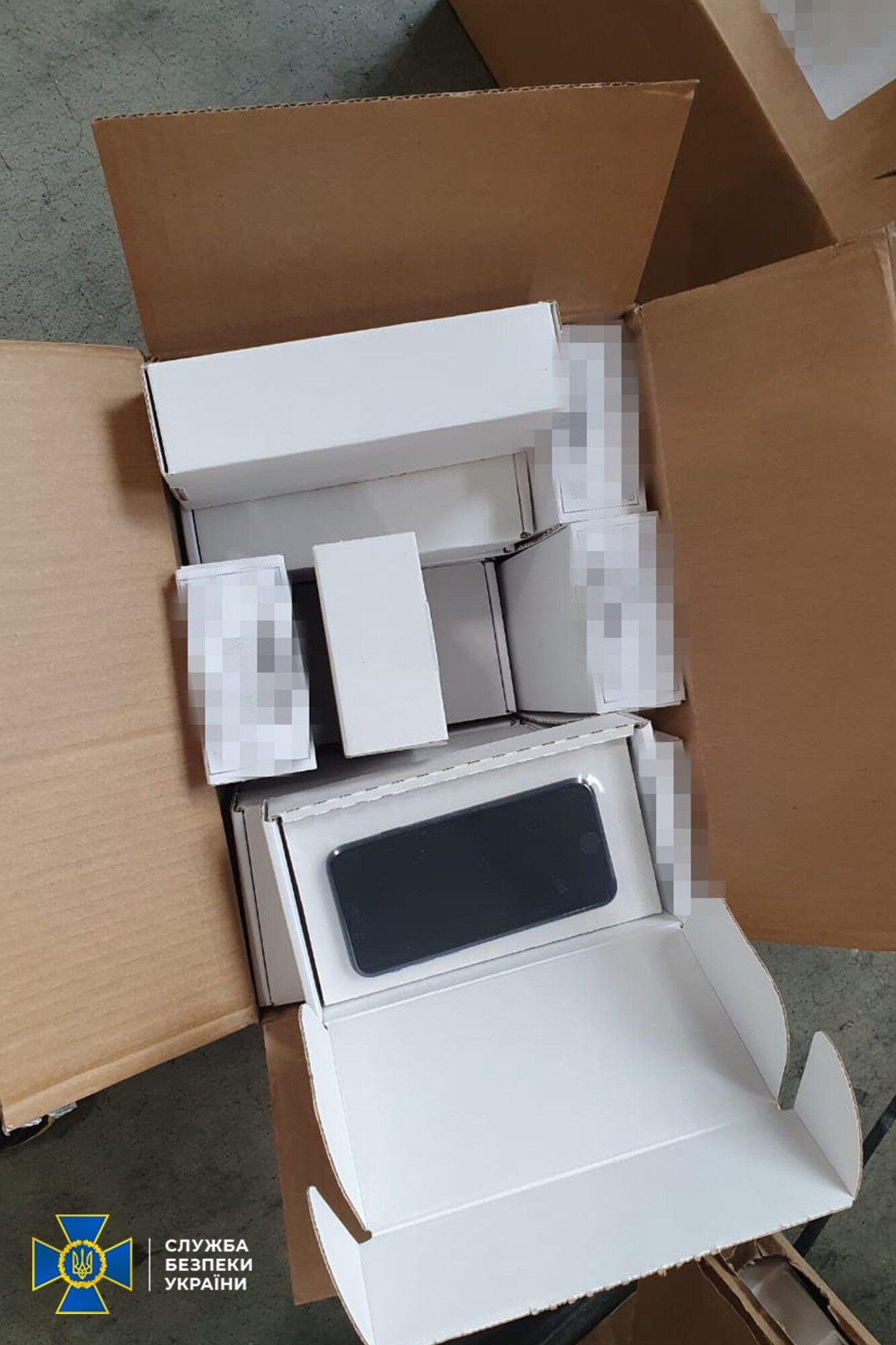 Делки хотели продавать контрабандную продукцию Apple