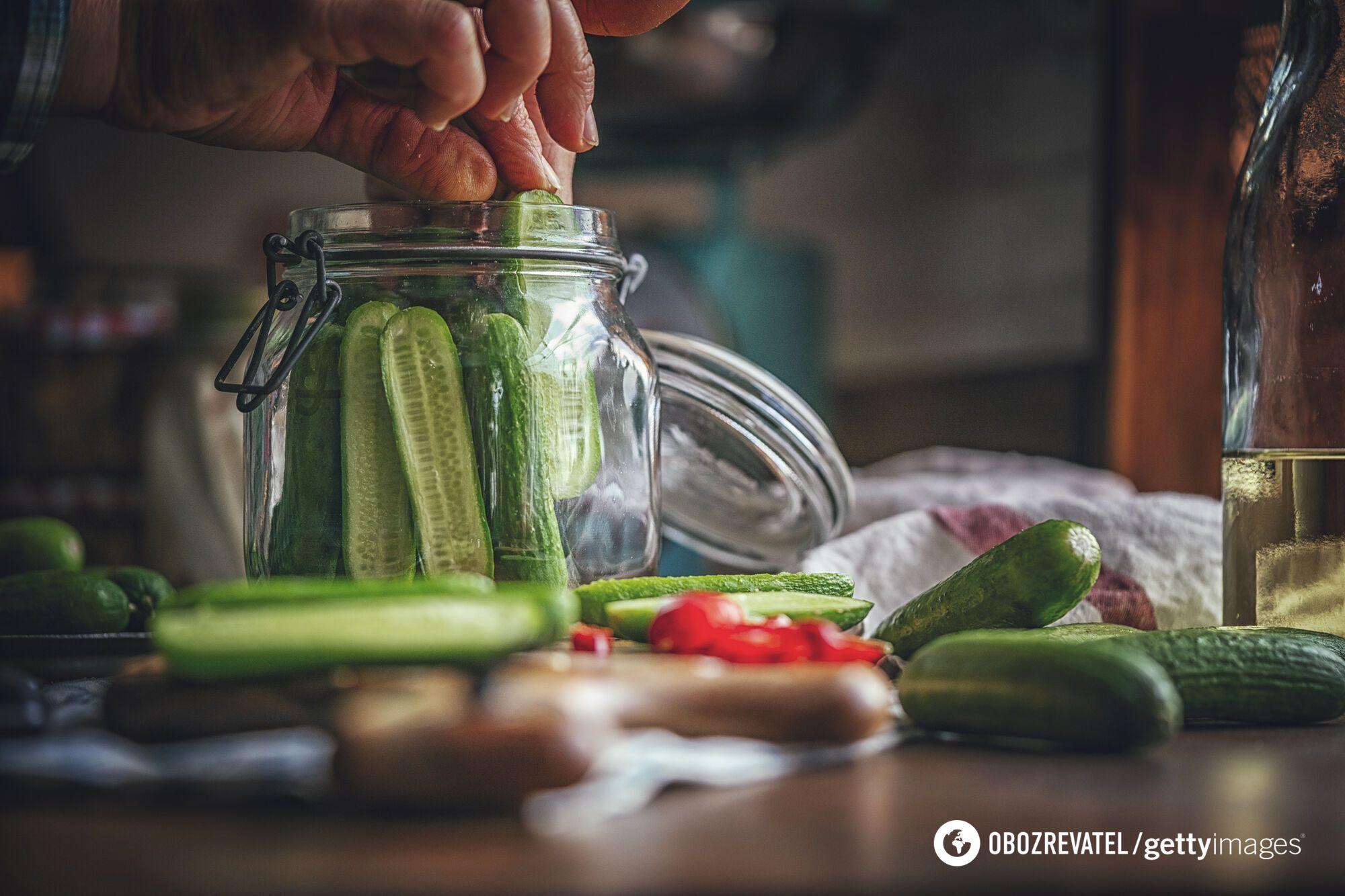 Як смачно замаринувати огірки