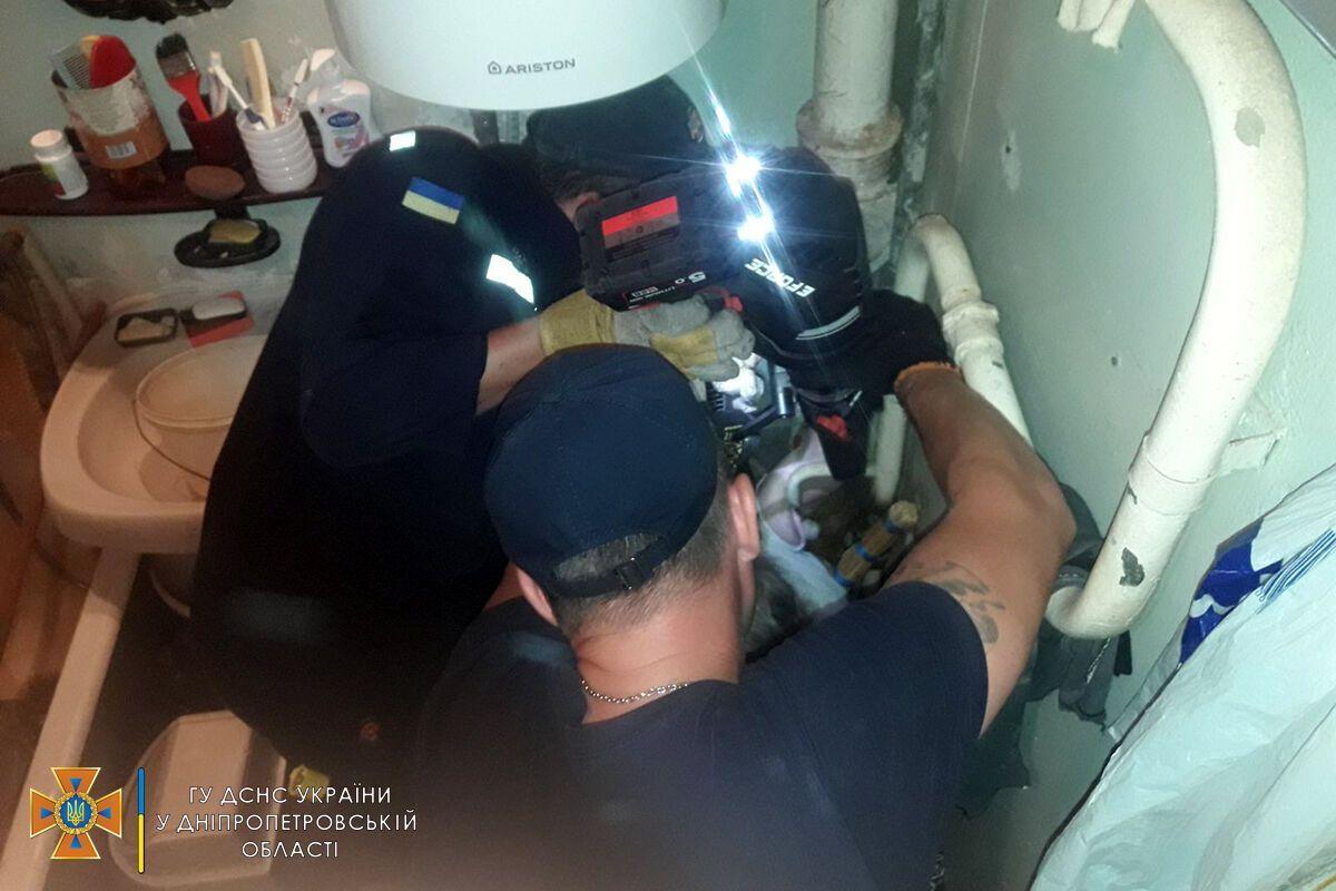 Рятувальникам довелося застосовувати спецтехніку.