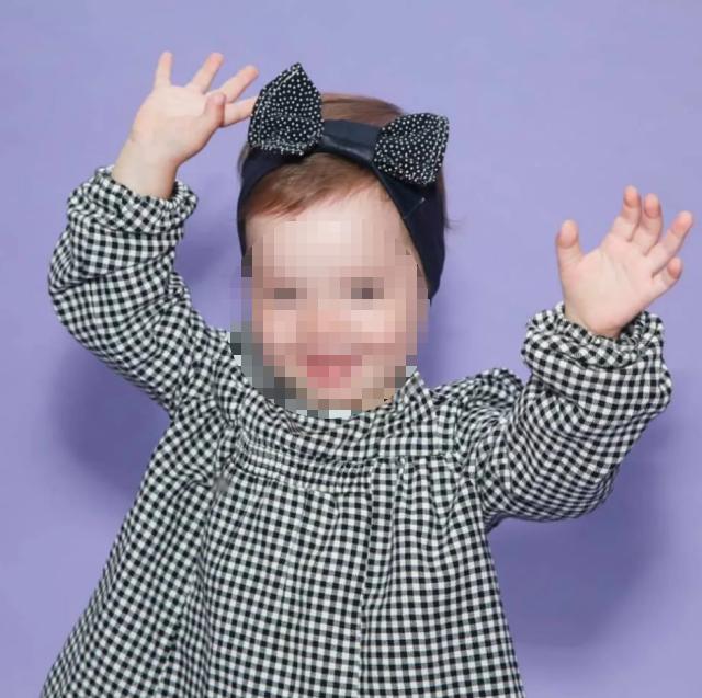 2-летняя Ева чудом осталась жива.