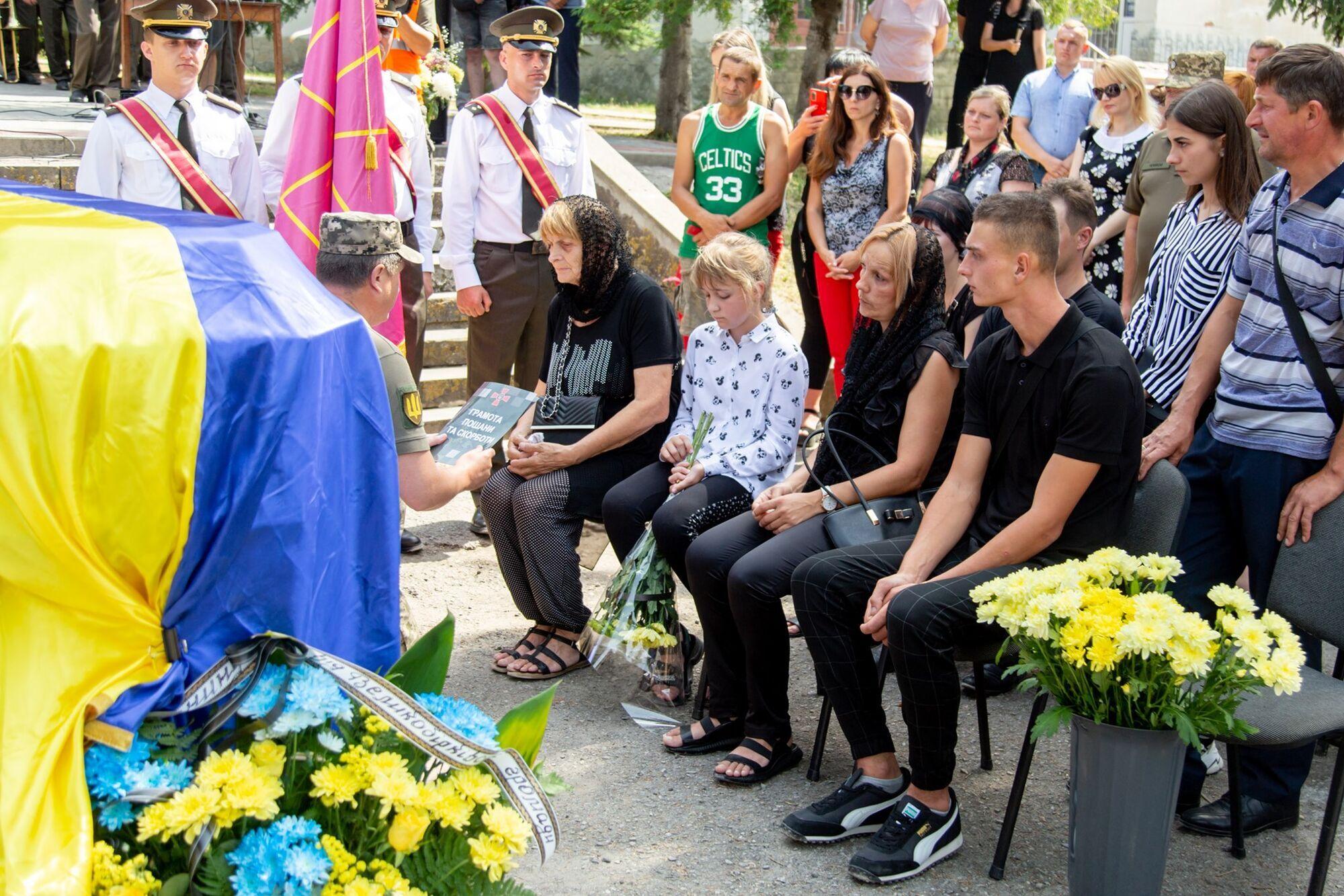 В Украине попрощались с погибшим на Донбассе Героем.