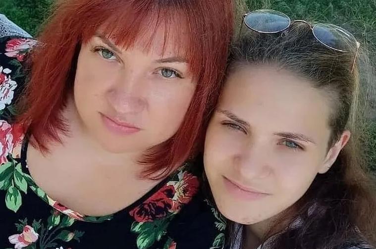 Анастасия Карнаух с матерью Татьяной Захарченко