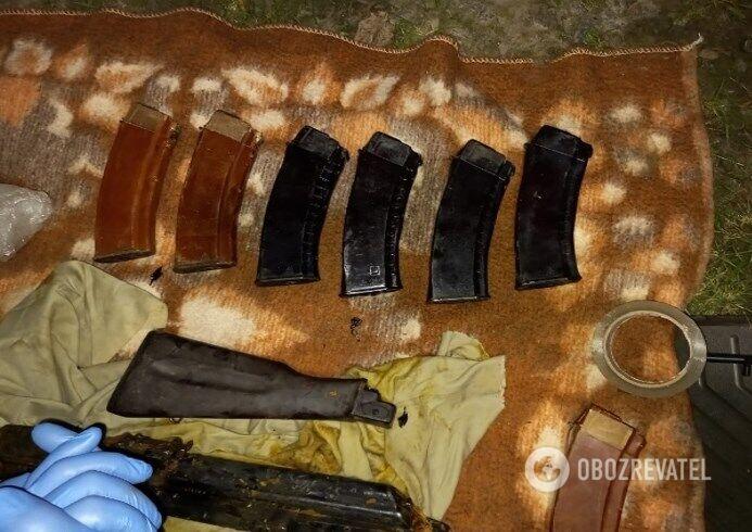 Оружие и боеприпасы были в автомобиле военного
