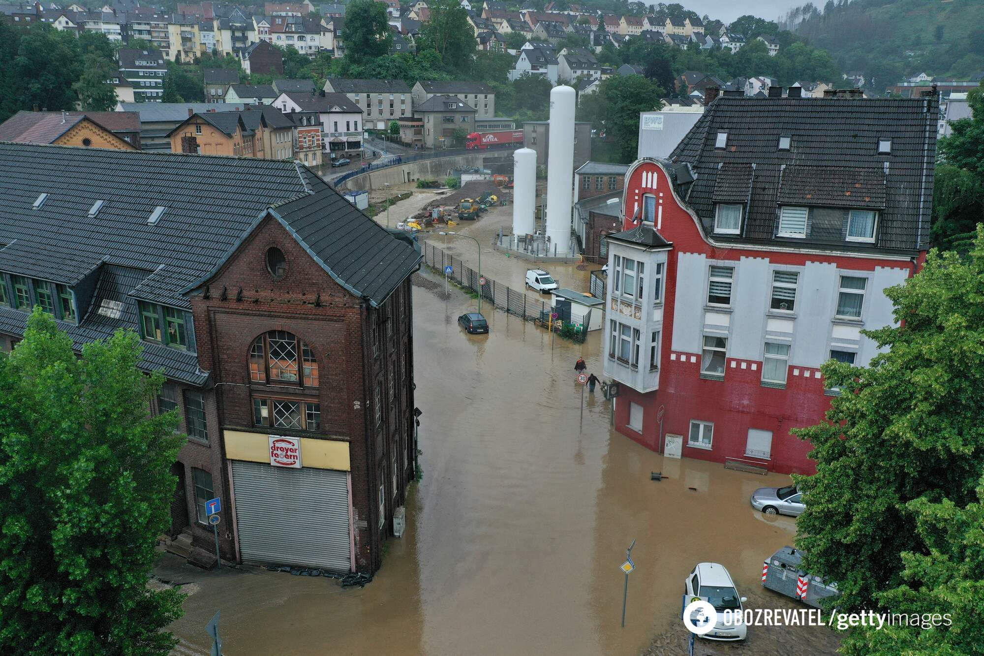 Водою затопило місто