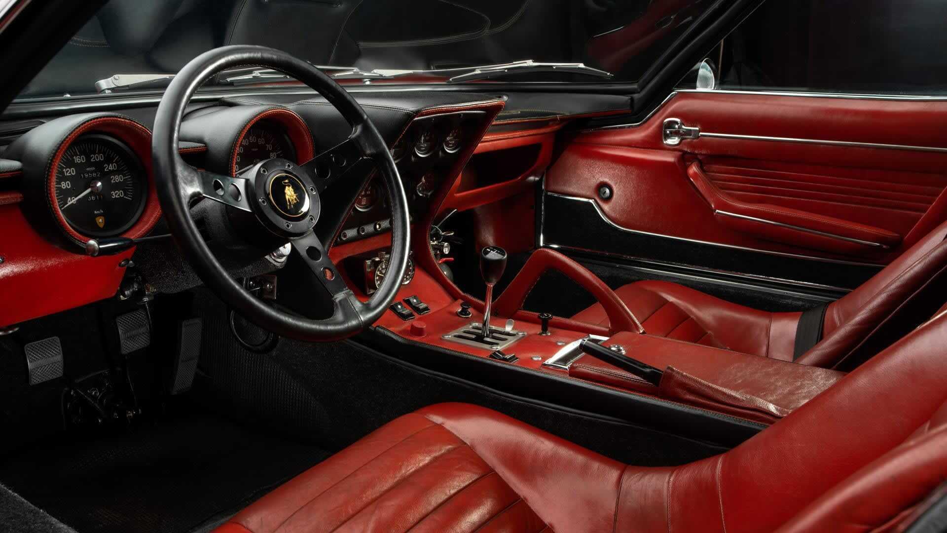 Салон Lamborghini Miura SVJ