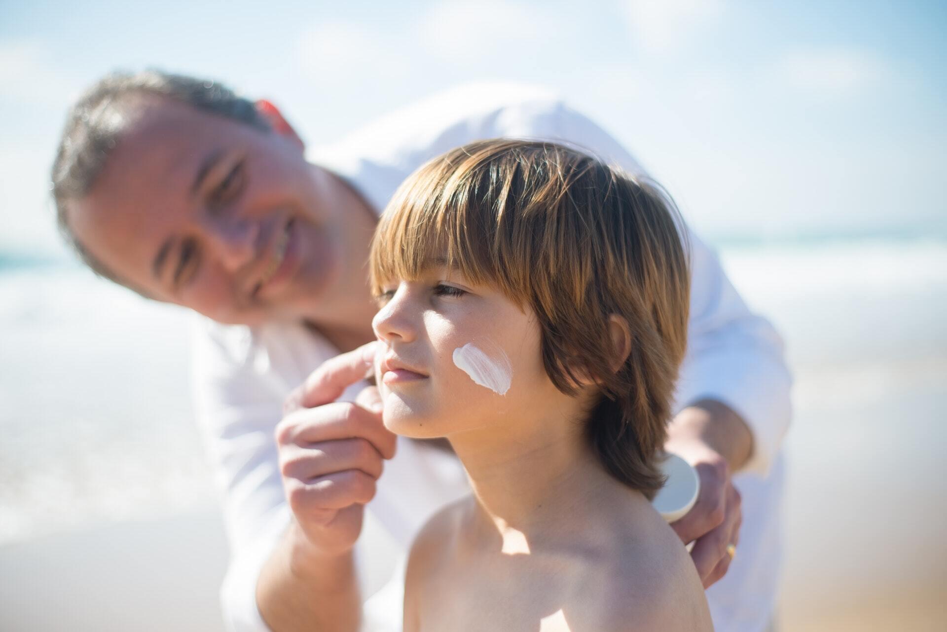 Дітям у віці до трьох років перебування на сонці бажано обмежити