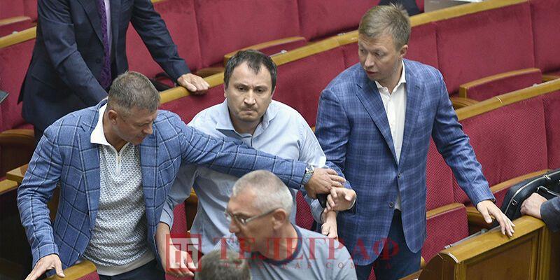 Депутат Сольський (в центрі)