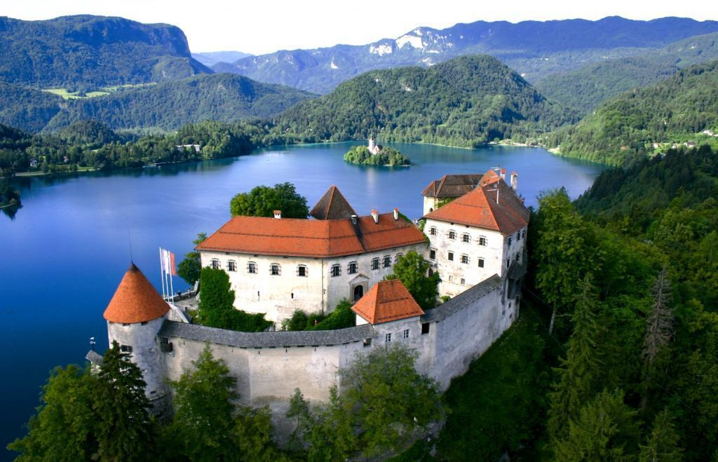 Словения открыла границы.