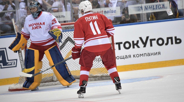 Путин в матче Ночной хоккейной лиги.