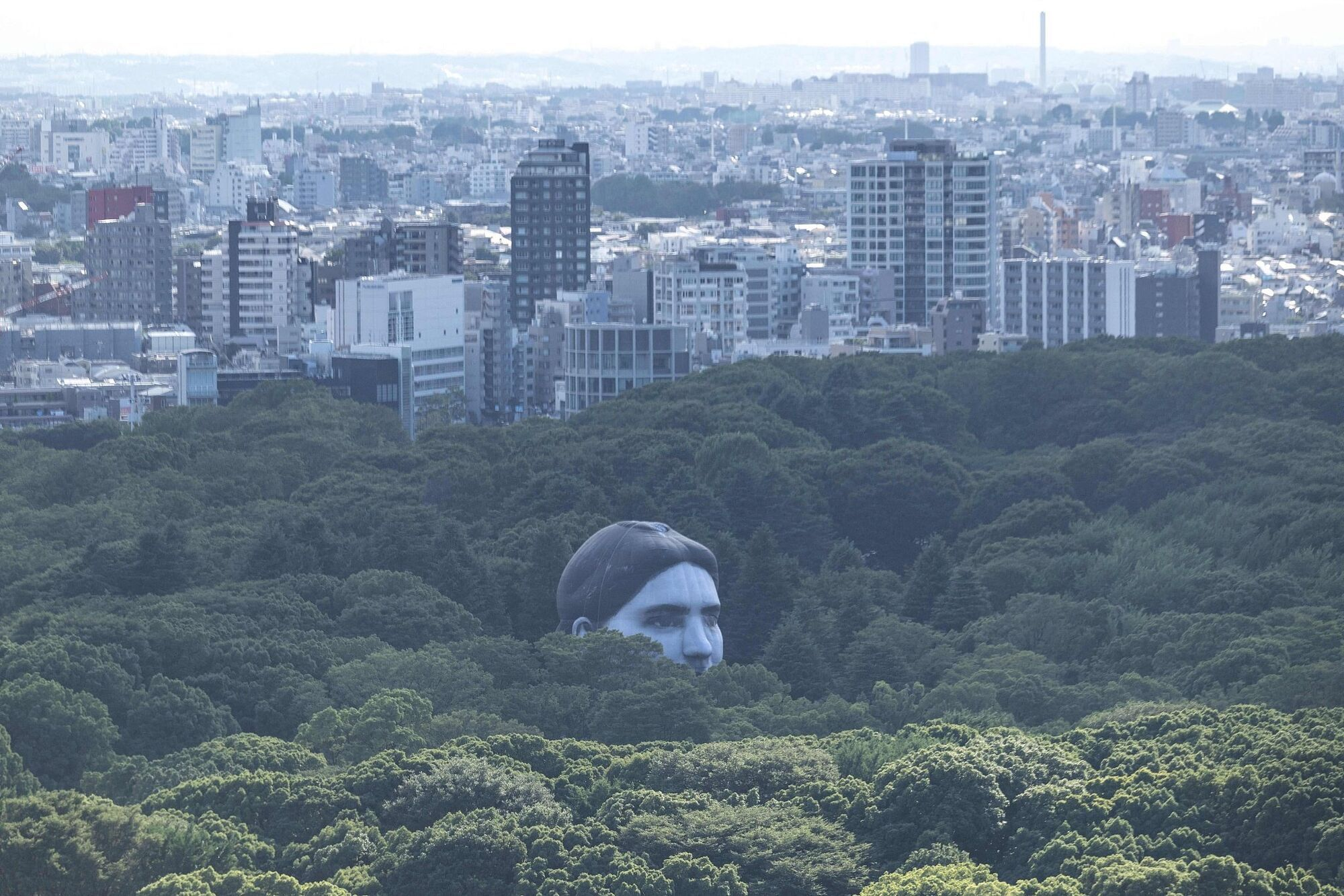 У Токіо встановили незвичайну повітряну кулю
