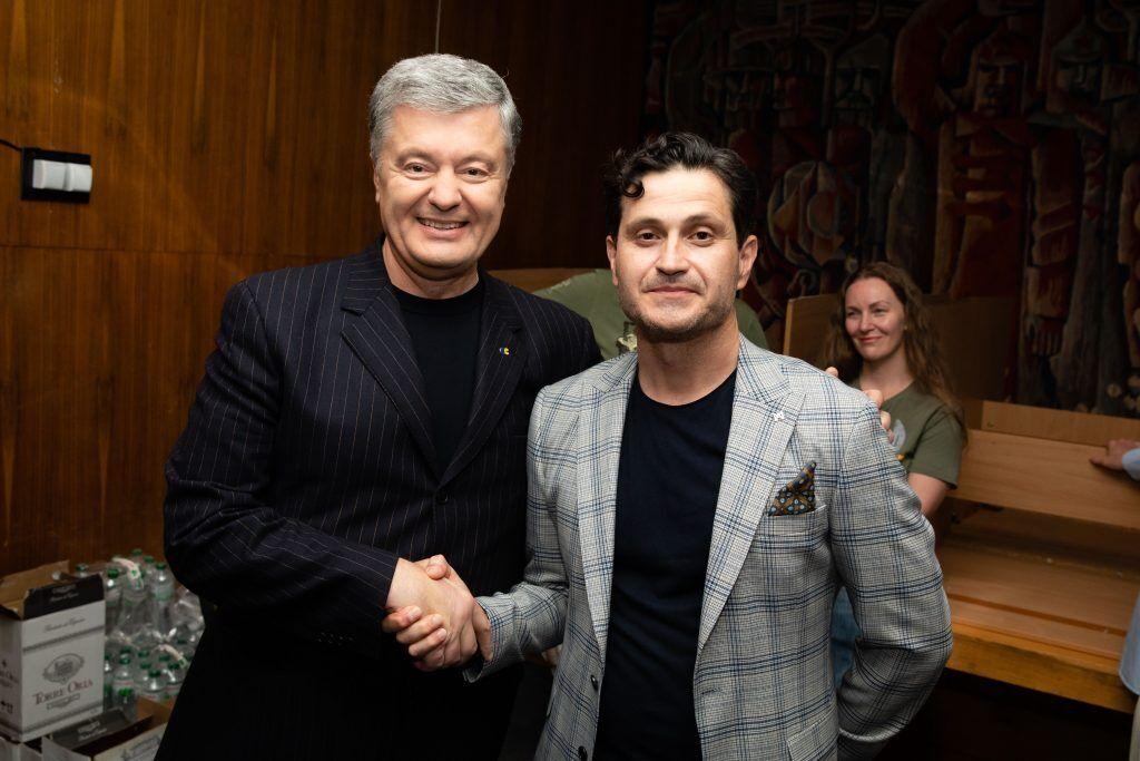 Кроме Роговцевой в фильме снялись другие известные деятели украинского кино