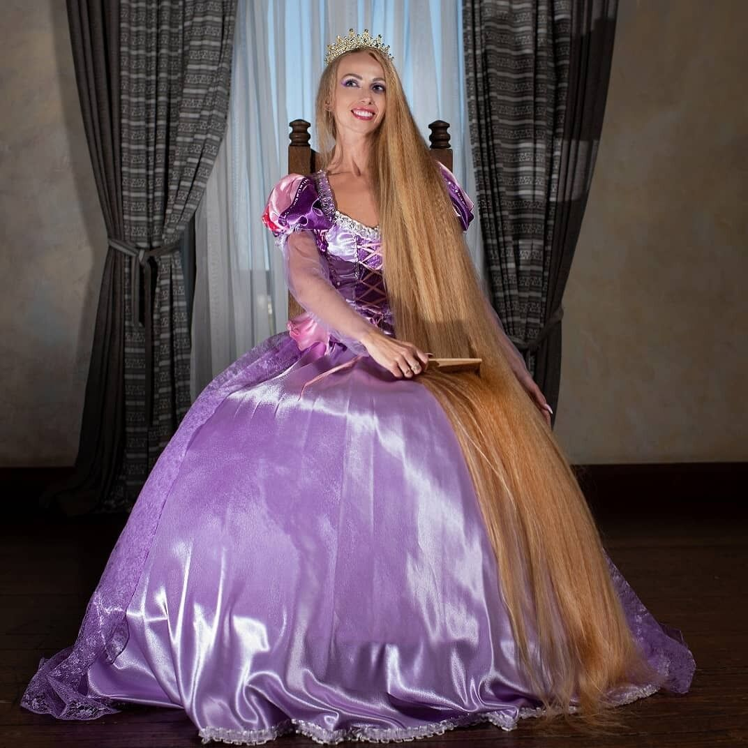 Длинные волосы Алены Кравченко