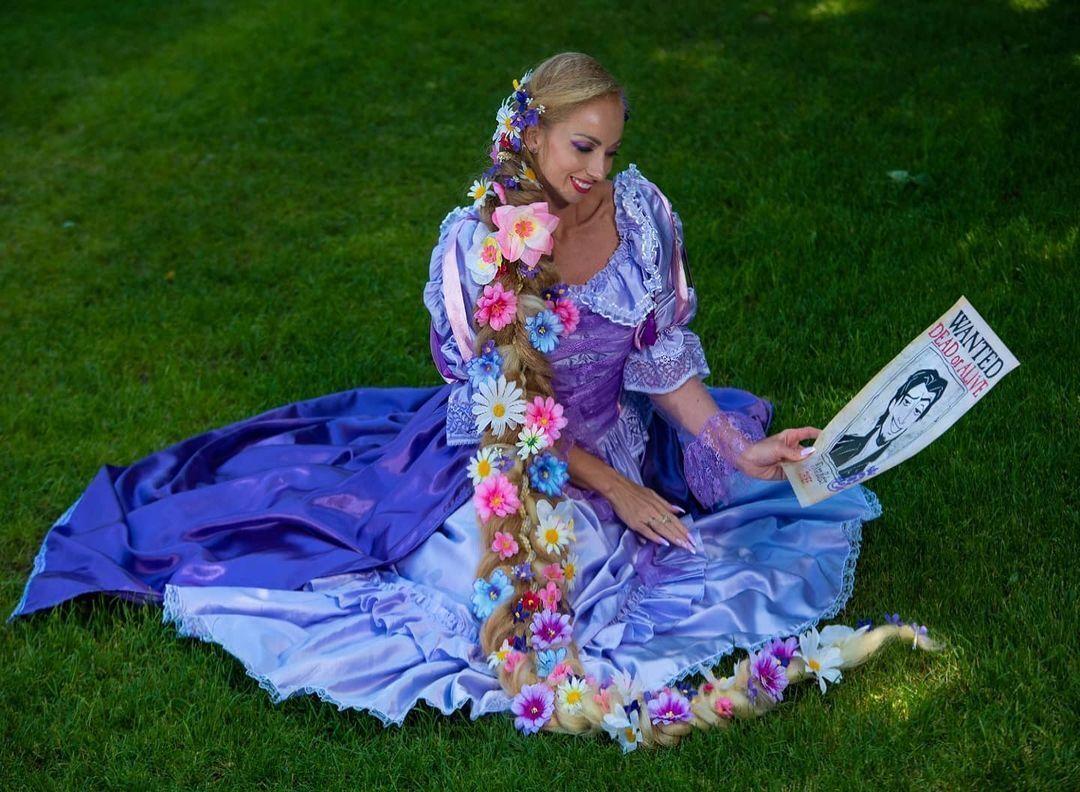 Алена Кравченко с заплетенными волосами