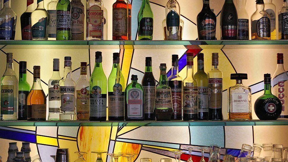 Алкогольные напитки удешевляют