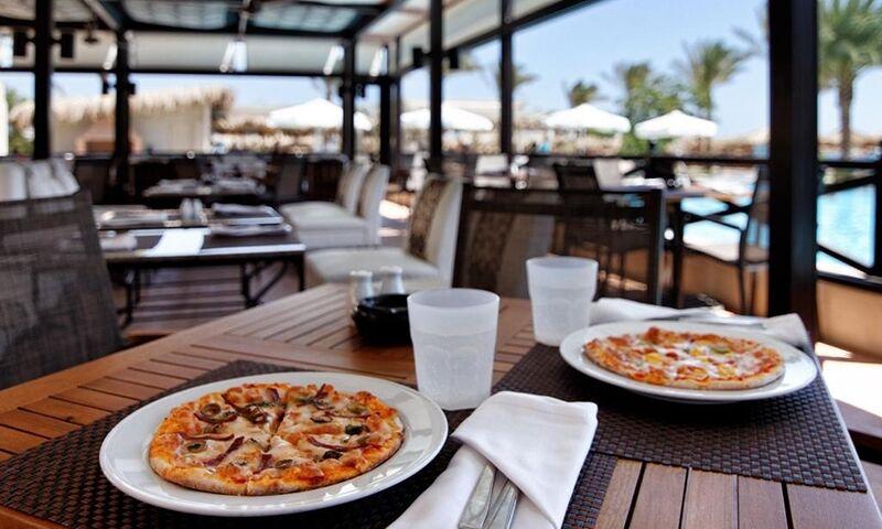Туристам подают пиццу, чтобы они съели меньше дорогих продуктов