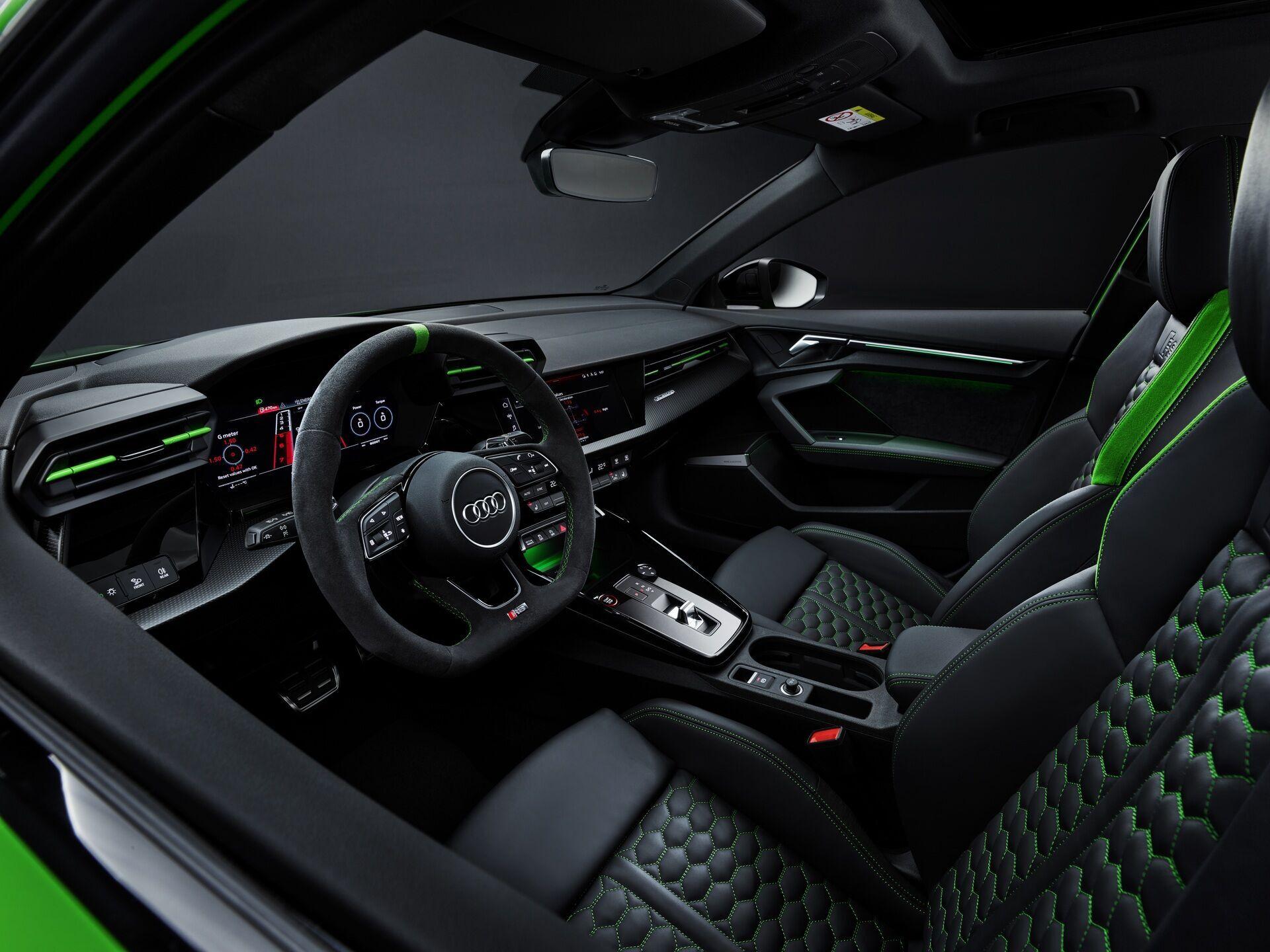 Cалон Audi RS 3