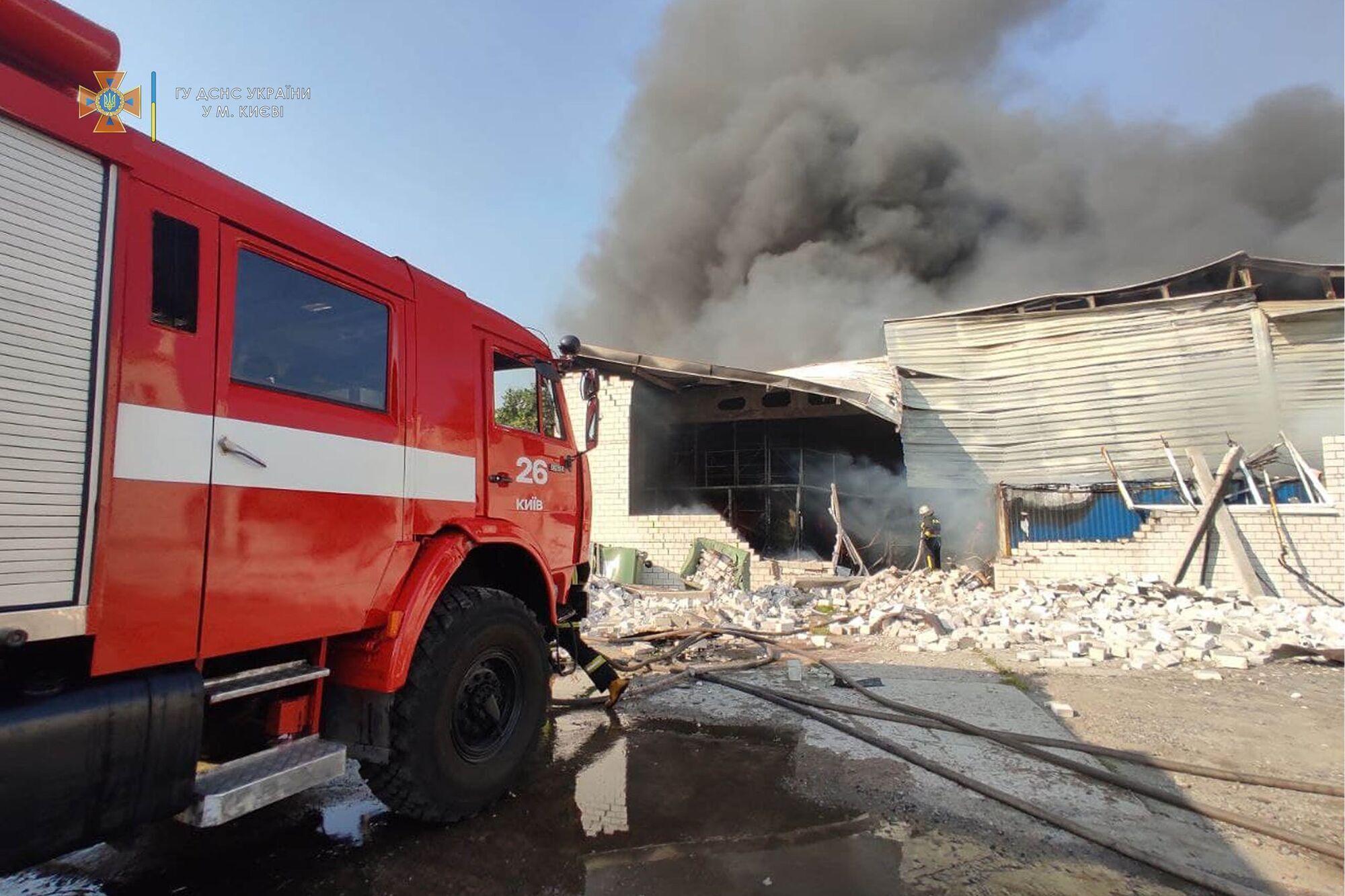 Огонь охватил территорию в 600 квадратных метров.