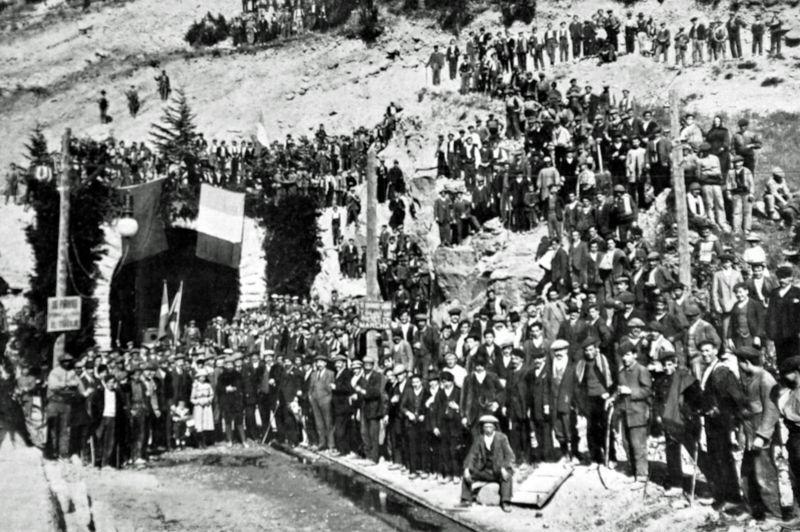 В 1912 году был открыт Сомпортский тоннель, ставший частью новой железнодорожной ветки.