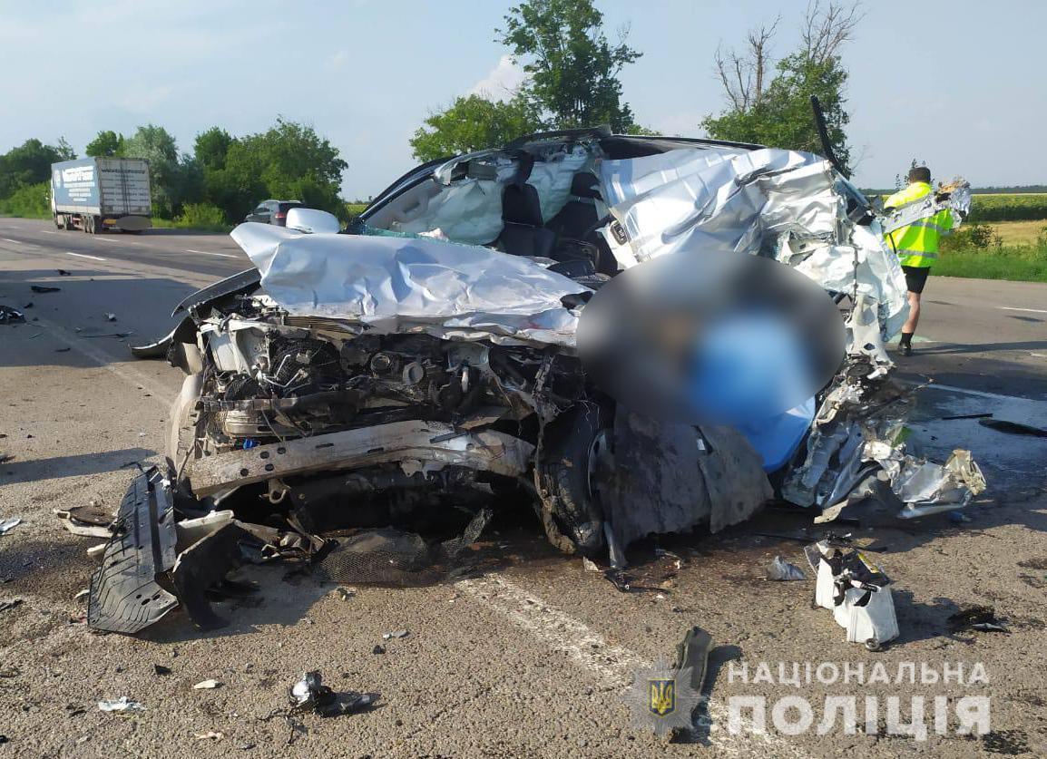 В ДТП погиб водитель внедорожника.