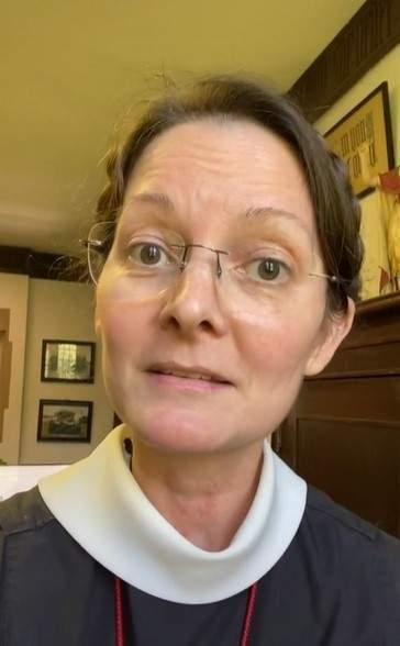 55-летняя монахиня рассекретила секрет молодости.