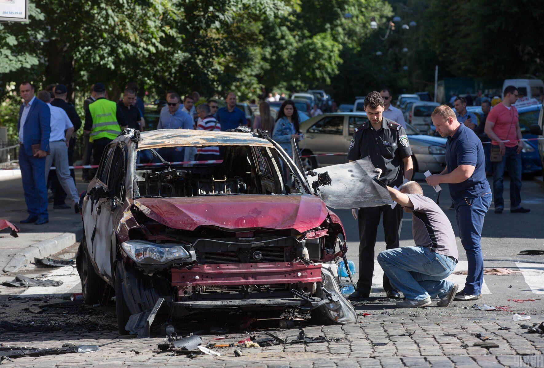 Слідчі дії на місці вибуху авто Шеремета
