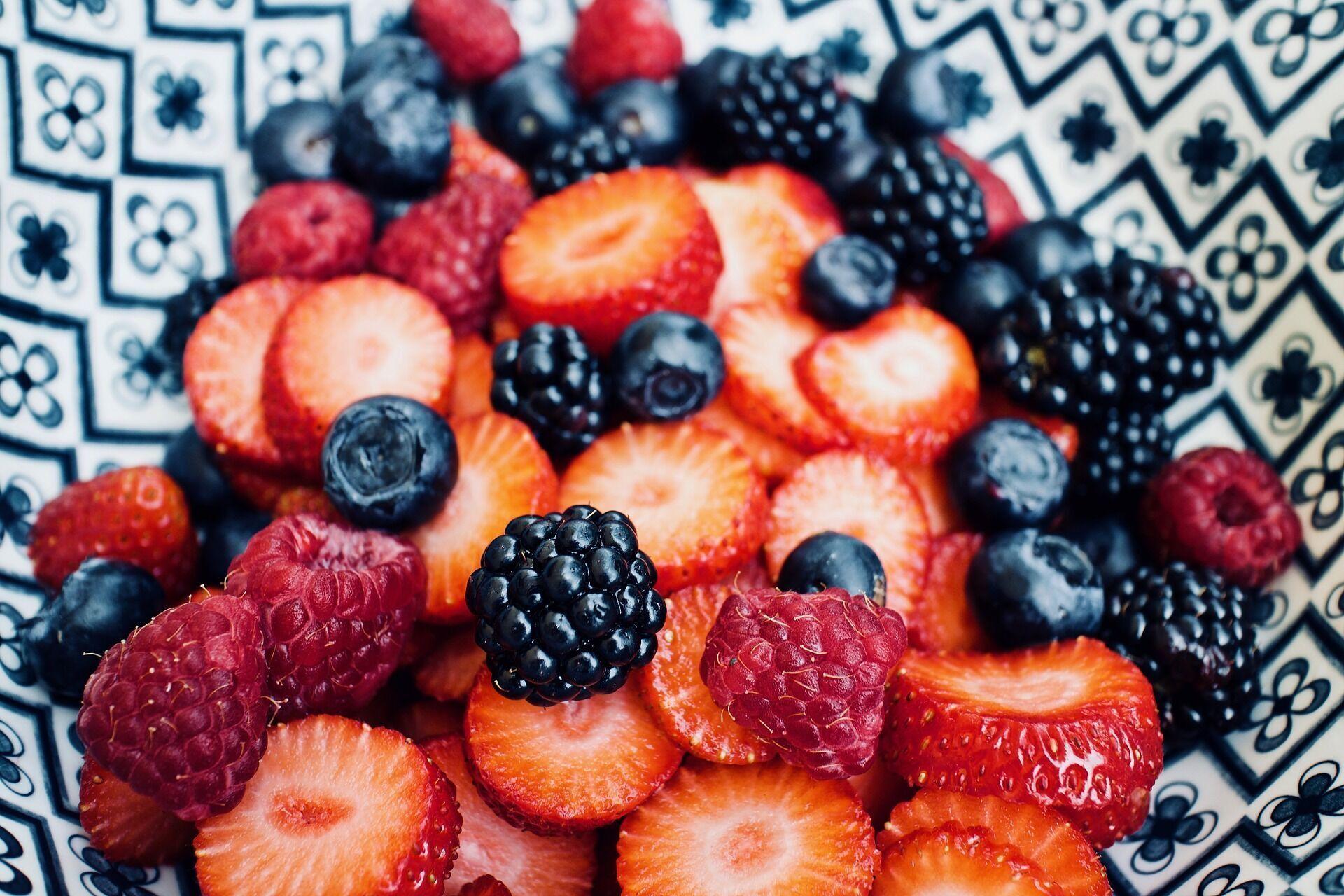 В Украине существенно снизились цены на ягоды