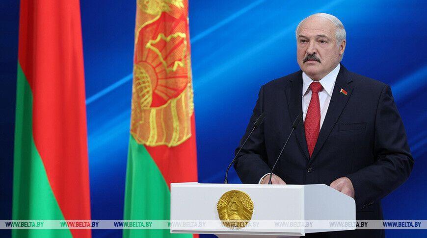 Лукашенко на собрании в честь Дня Независимости