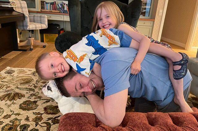 Безруков с дочерью Машей и сыном Степаном