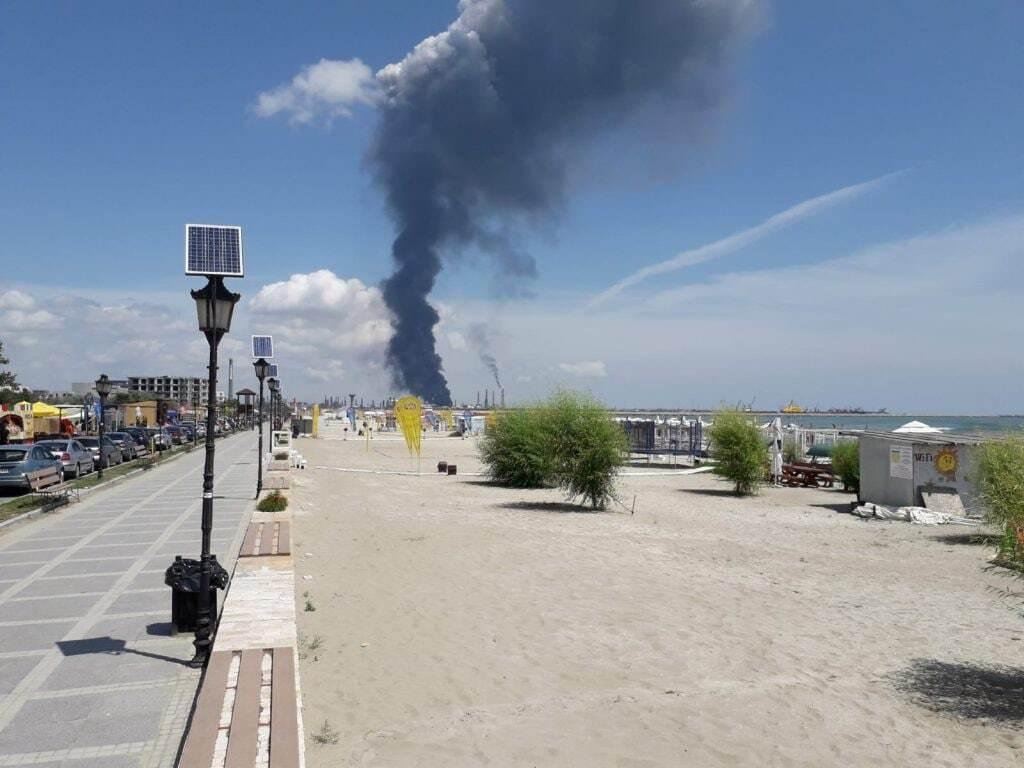Пожежа на заводі Petromidia