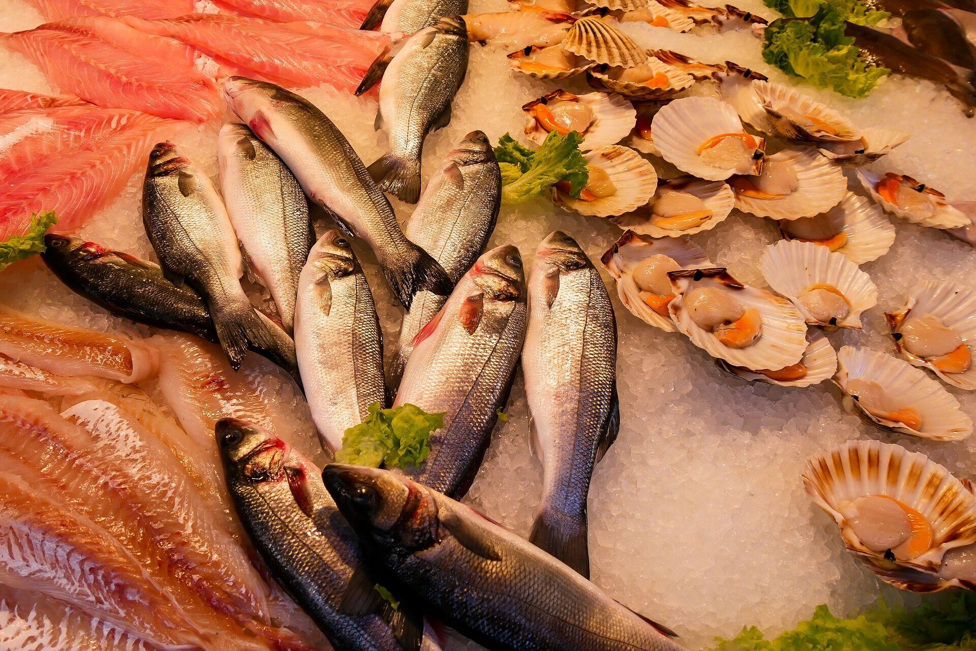 Рибу і м'ясо потрібно розморожувати тільки в холодильнику