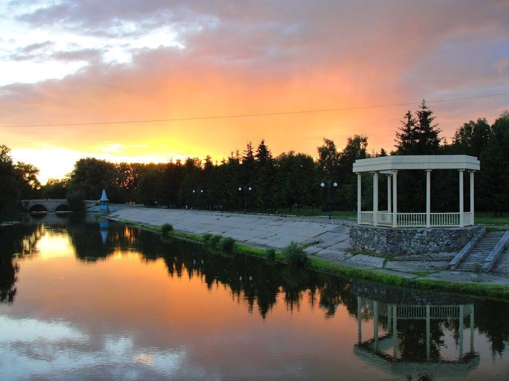 Город Хмельник славится своими радоновыми минеральными водами и лечебными грязями