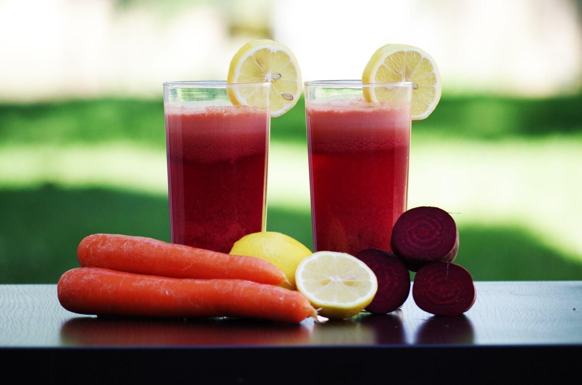 Смузі з буряка, моркви і капусти