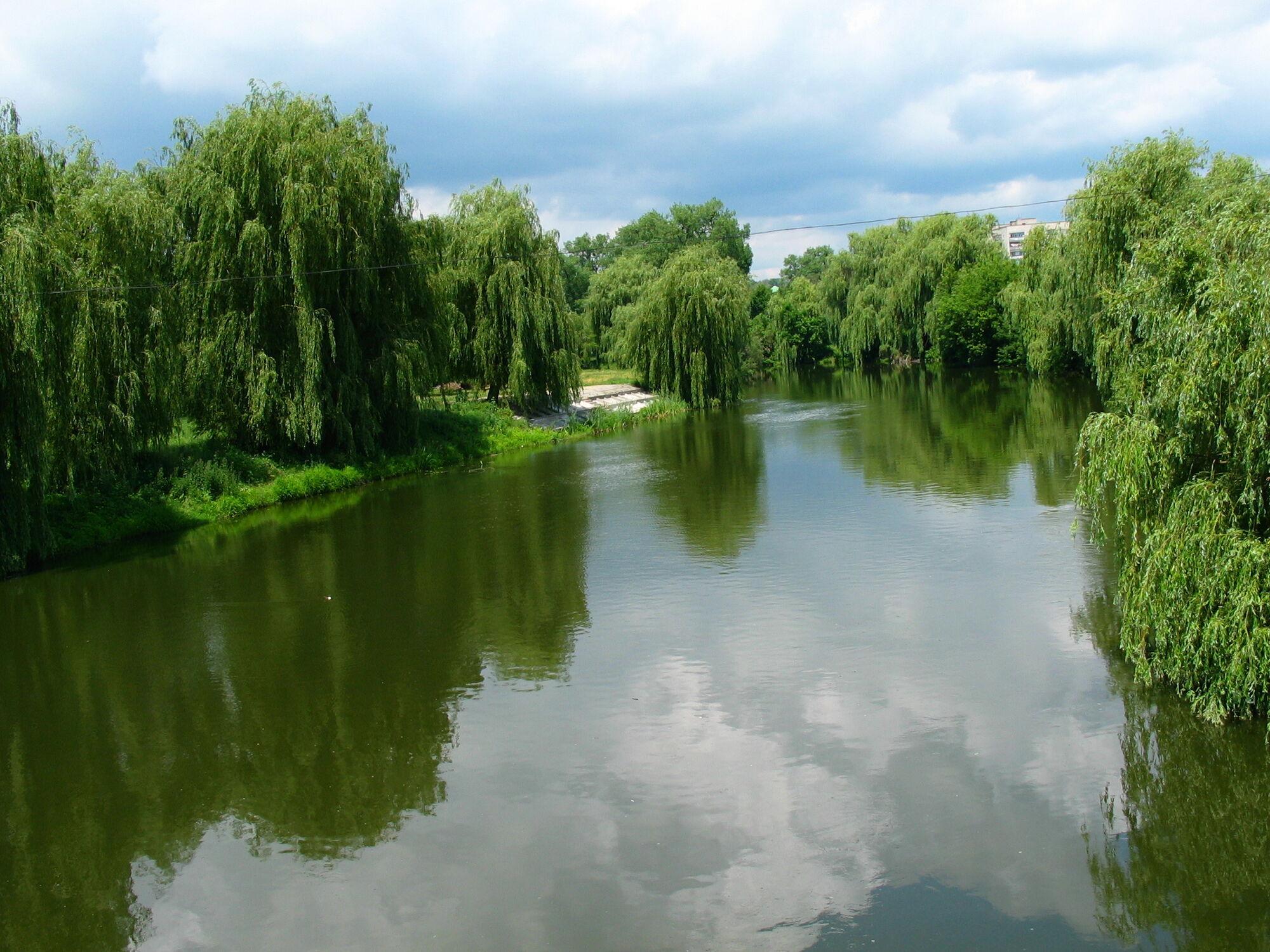 Большинство санаториев курорта разместились на берегах реки Южный Буг