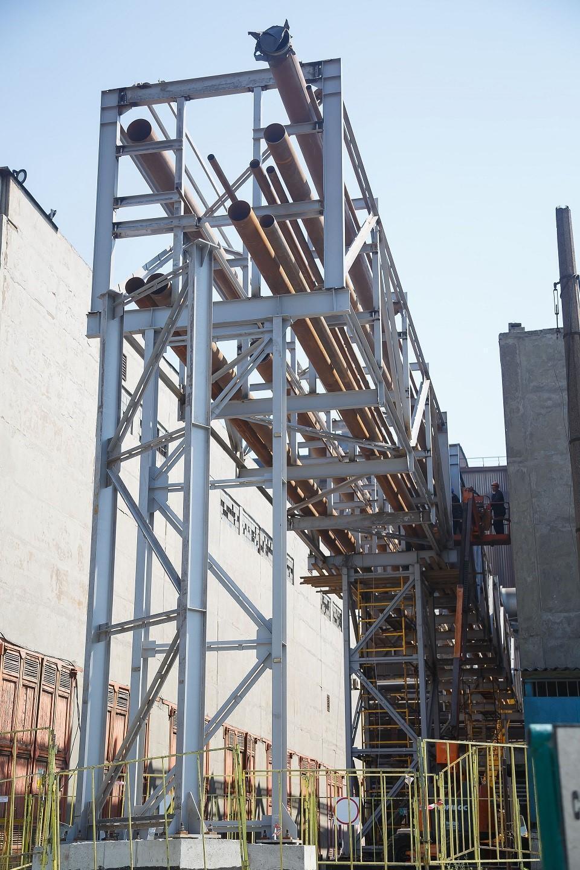 Зараз йде реконструкція естакади енергоресурсів і монтаж металоконструкцій