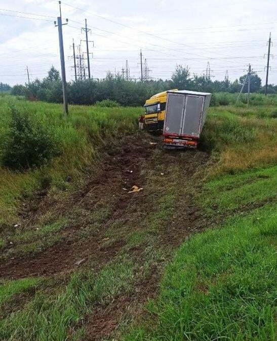 Вантажівка DAF після ДТП