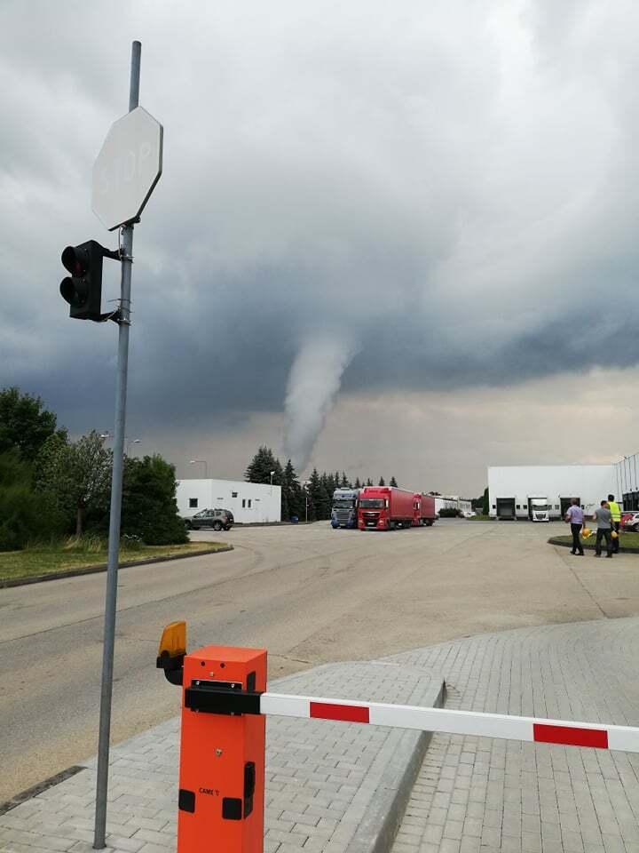 Торнадо в окрестностях Жоры