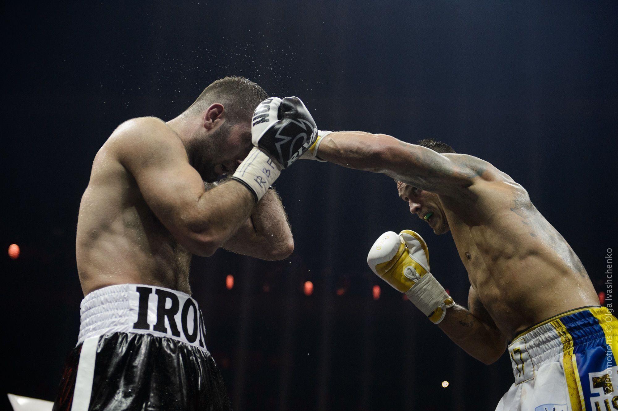 Усик побив Гассієва в фіналі WBSS.