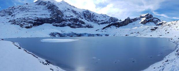 Величезні льодовики перетворилися на ніщо інше, як басейни з водою