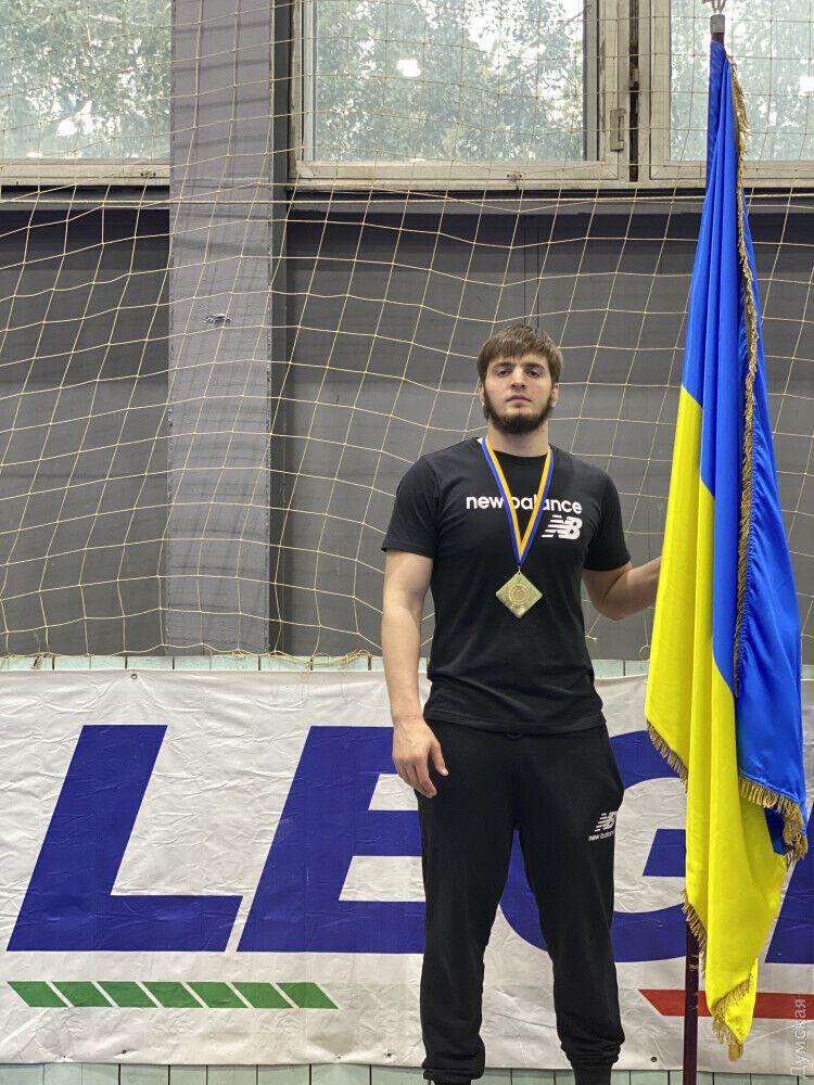 Магомед Закариев выступает за сборную Украины по вольной борьбе