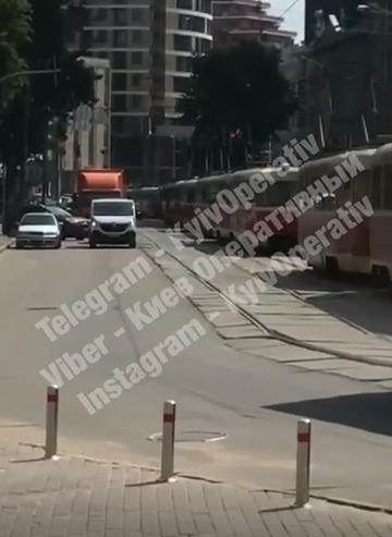 В Киеве остановились трамваи.