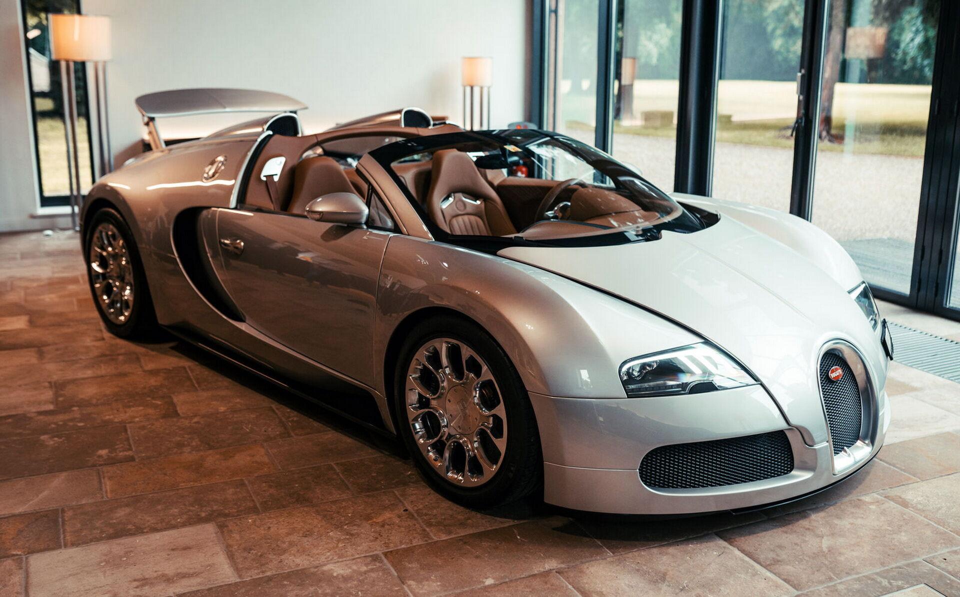 Першим проєктом програми La Maison Pur Sang став унікальний прототип Veyron 16.4 Grand Sport