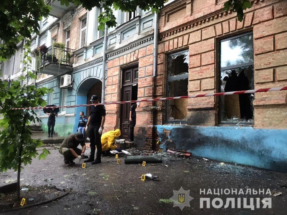 Взрыв произошел на первом этаже здания