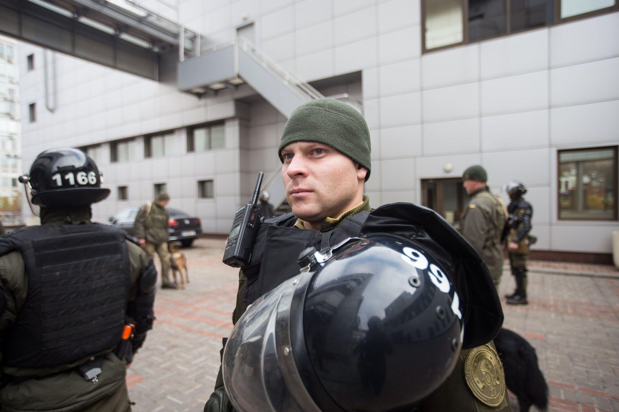 Нацгвардійці під Апеляційним судом Києва