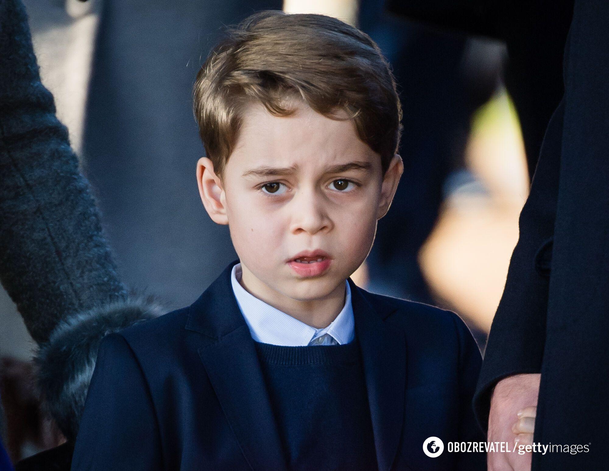 Принц Джордж старший сын в семье.