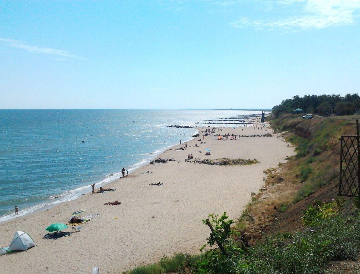 Село Новопетровка находится в 12 км от Бердянска