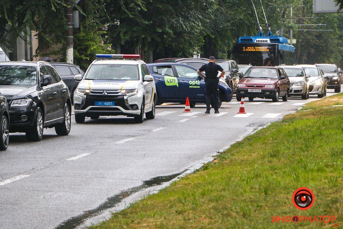 Полиция перекрыла дорогу