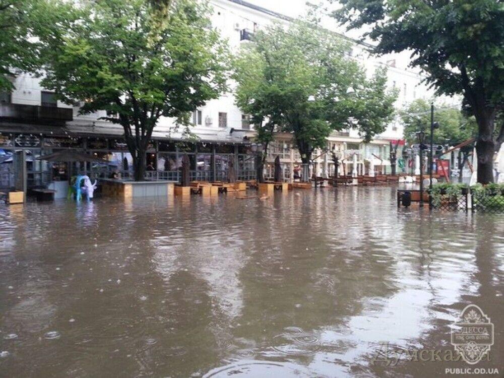 Потоп в Одессе произошел не только из-за дождя.