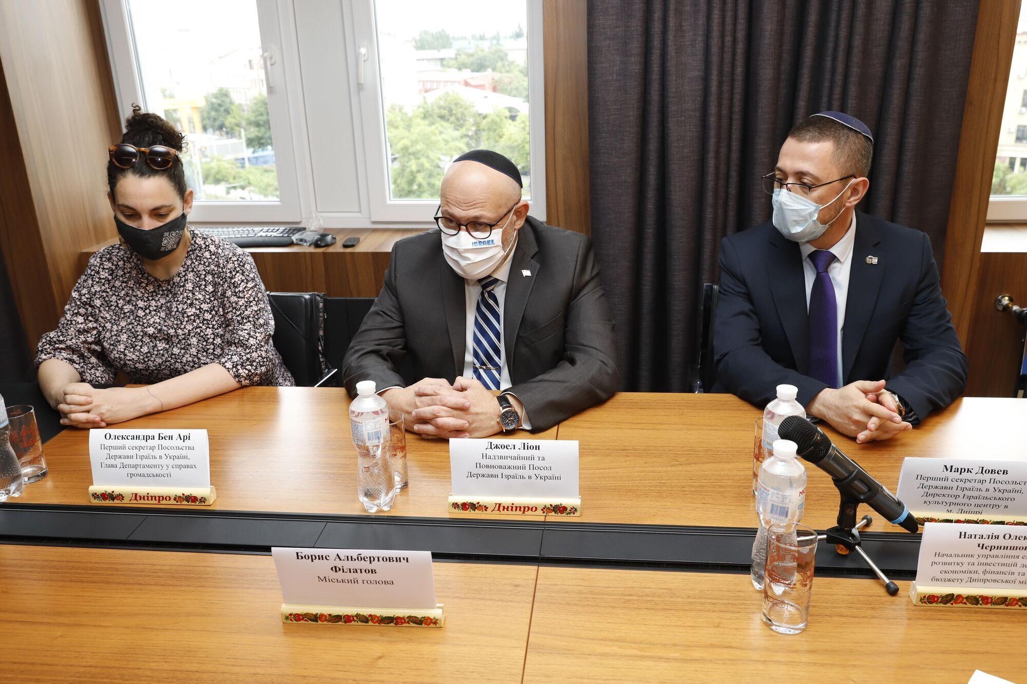 Представители делегации также отметили уровень взаимодействия с командой мэрии Днепра