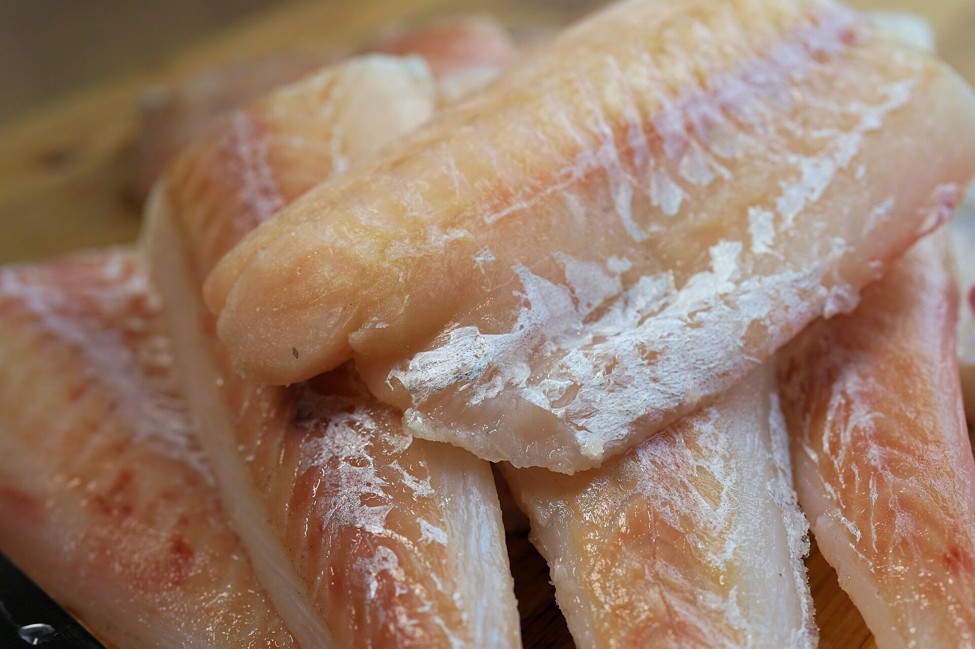 Морожену рибу для юшки не використовуйте