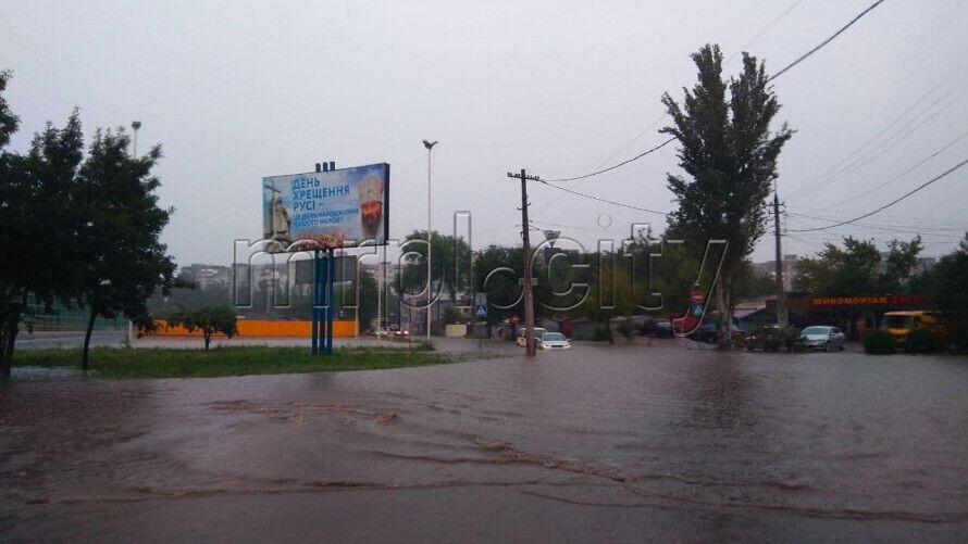 Затоплены улицы Мариуполя